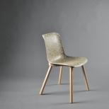 (c) OWI - Stuhl mit Heuschale - Seitenansicht